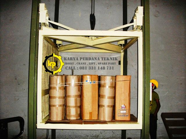 Uji Beban Muatan Cargo elevator - Lift Barang