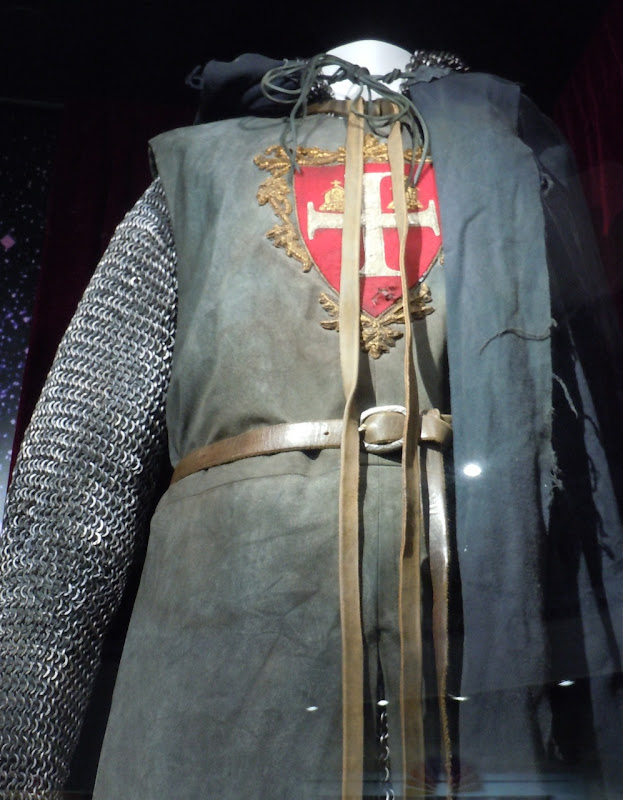 Russell Crowe Robin Hood film costume