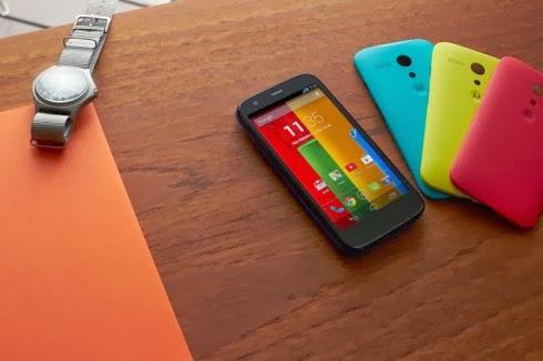 Ben 19 personalizzazioni diverse grazie a tante cover colorate per il Motorola Moto G il nuovo smartphone Android KitKat