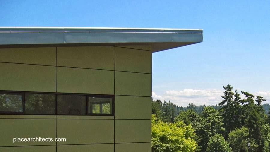 Vista en detalle de un ángulo de la construcción arriba