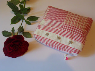 Trousse avec un coton patchwork rouge