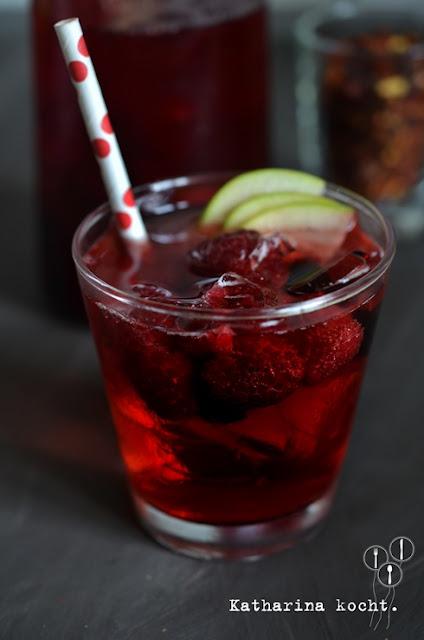 Berry Cider Ied Tea: Longdrink mit kaltem Früchtetee und Cidre auf www.katharinakocht.com