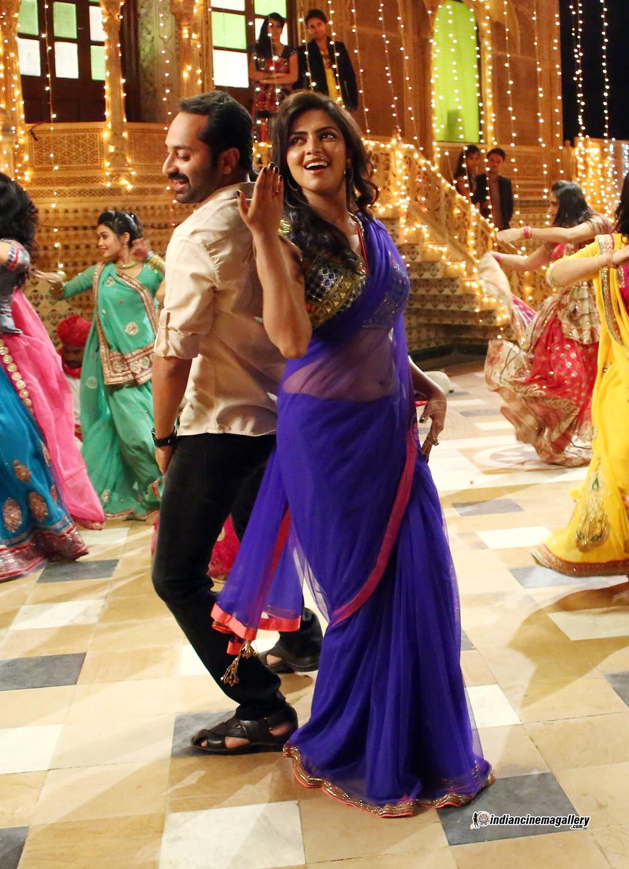 Amala Paul latest hot navel show photos from Oru Indian Pranayakatha