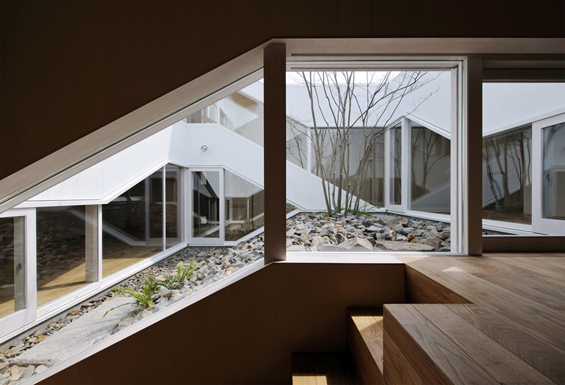 House Based On A Wooden Structure in Ibaraki - Inspiring Modern Home