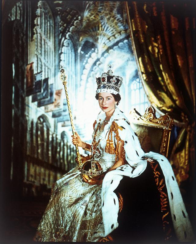Elizabeth ii Shooting Queen Elizabeth ii in
