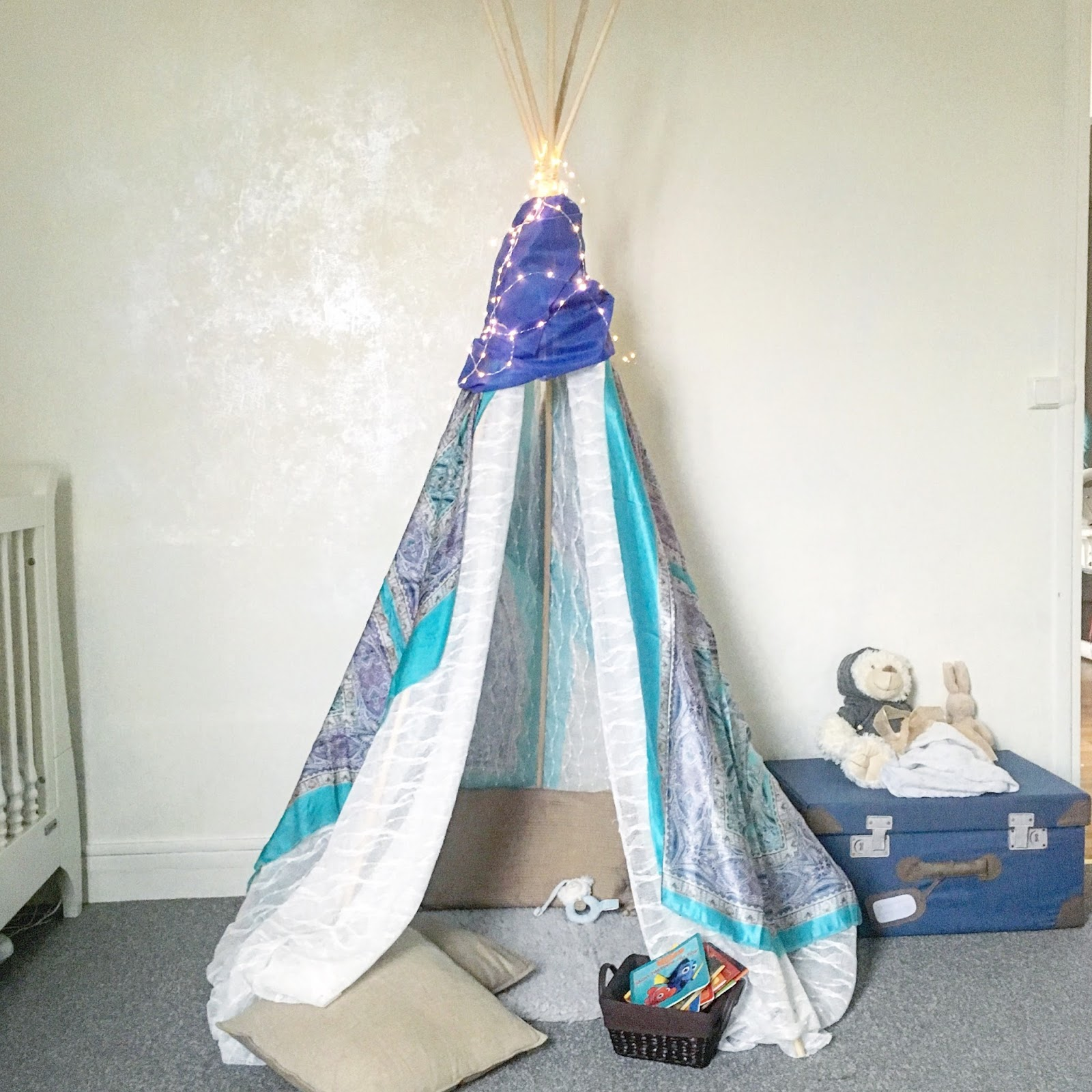 diy 1 fabriquer un tipi pour la chambre de b b. Black Bedroom Furniture Sets. Home Design Ideas