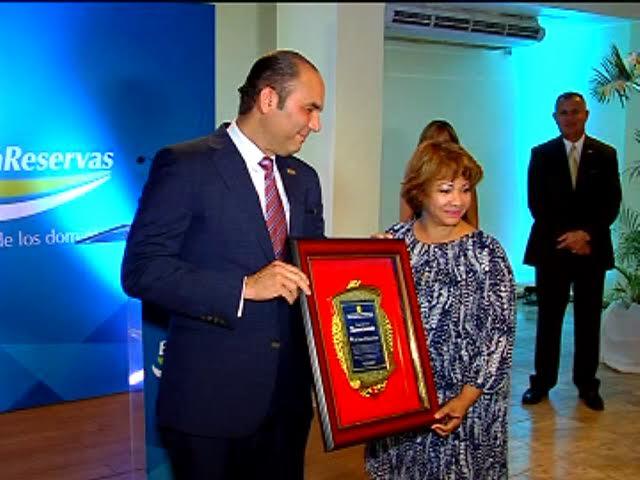 Sanjuaneros reconocen Enrique Ramírez Paniagua, administrador Banreservas