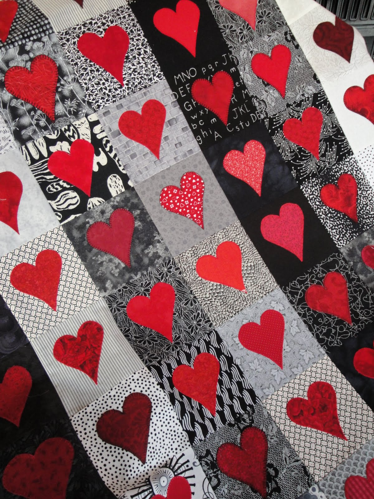 Quilt Patterns Heart Free : Free Quilt, Craft and Sewing Patterns: Links and Tutorials *With Heart and Hands*: Free Heart ...