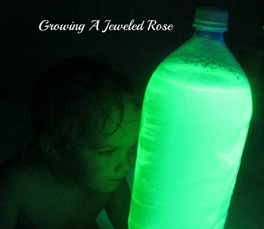 glowing bath play ideas