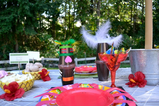 Aloha To Summer Party kids table totems