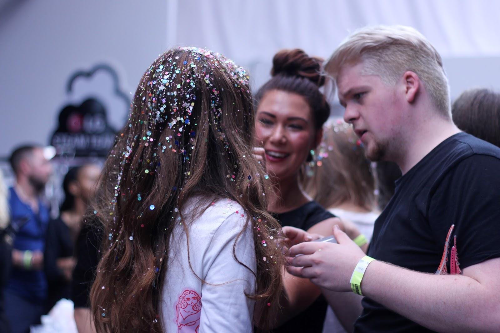 ashish ss16 backstage hair