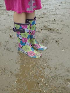 Top Ender standing in mud