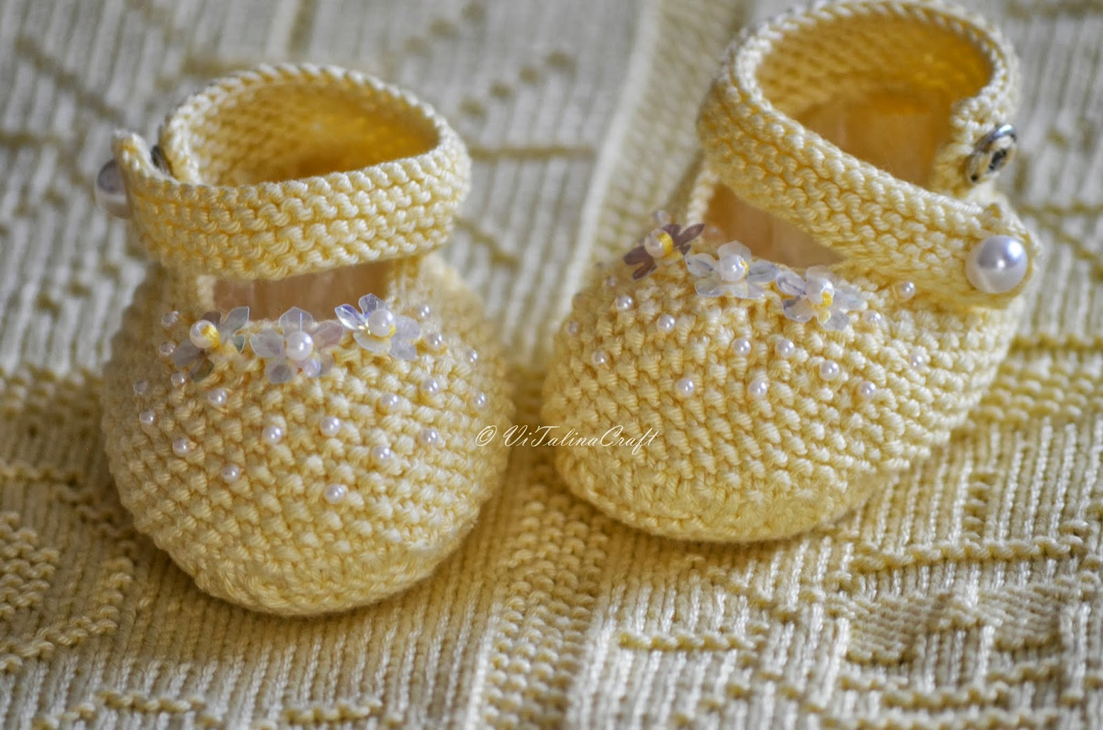 Yellow Pearl Baby Booties Knitting Pattern | ViTalina Craft