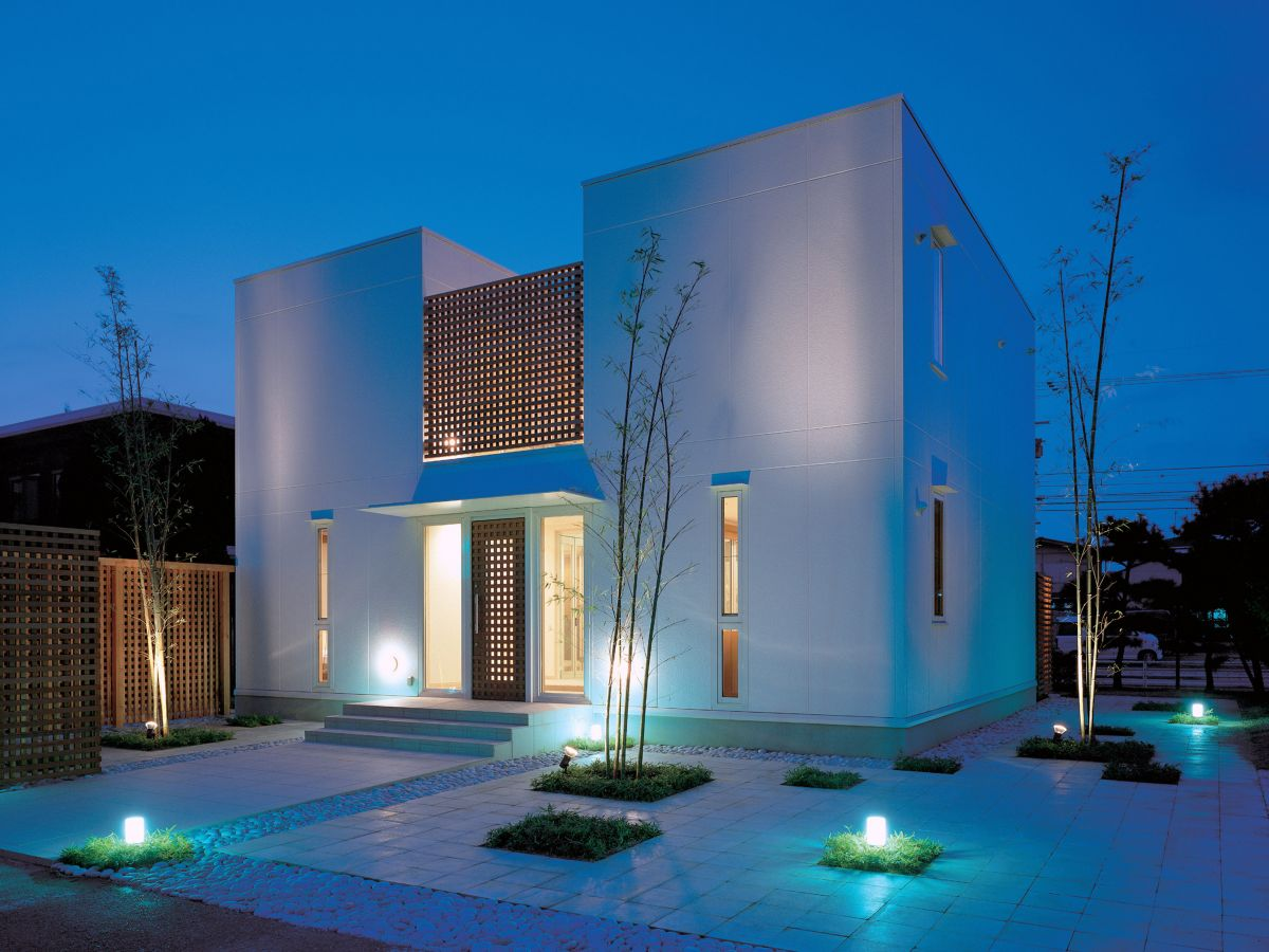Minimalist home exterior home design picture for Minimalist house design uk