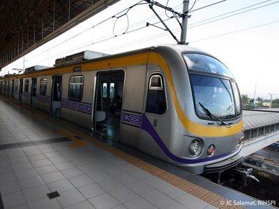 LRT santolan station lady guard