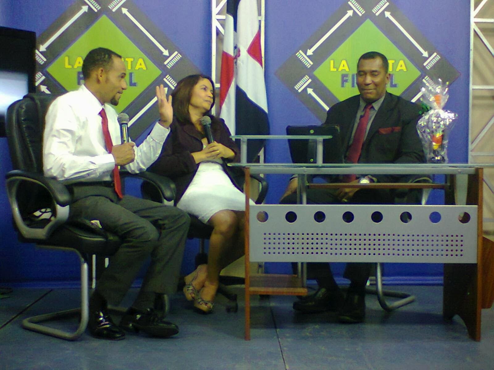Vea los lunes y los viernes Canal 10 de Bendición TV