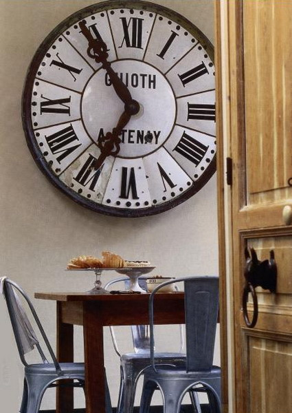 Heir and space a gallery clock - Coole wanduhren ...