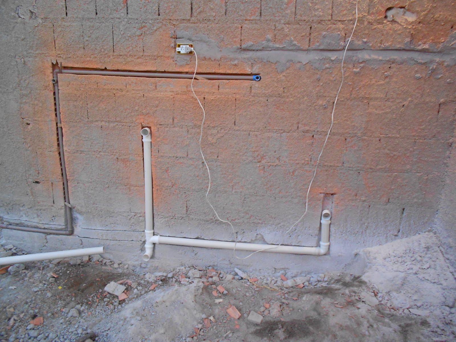 Meu Diário: Encanamento da area de serviço e esgoto ok! #825949 1600x1200 Banheiro Com Cheiro De Esgoto