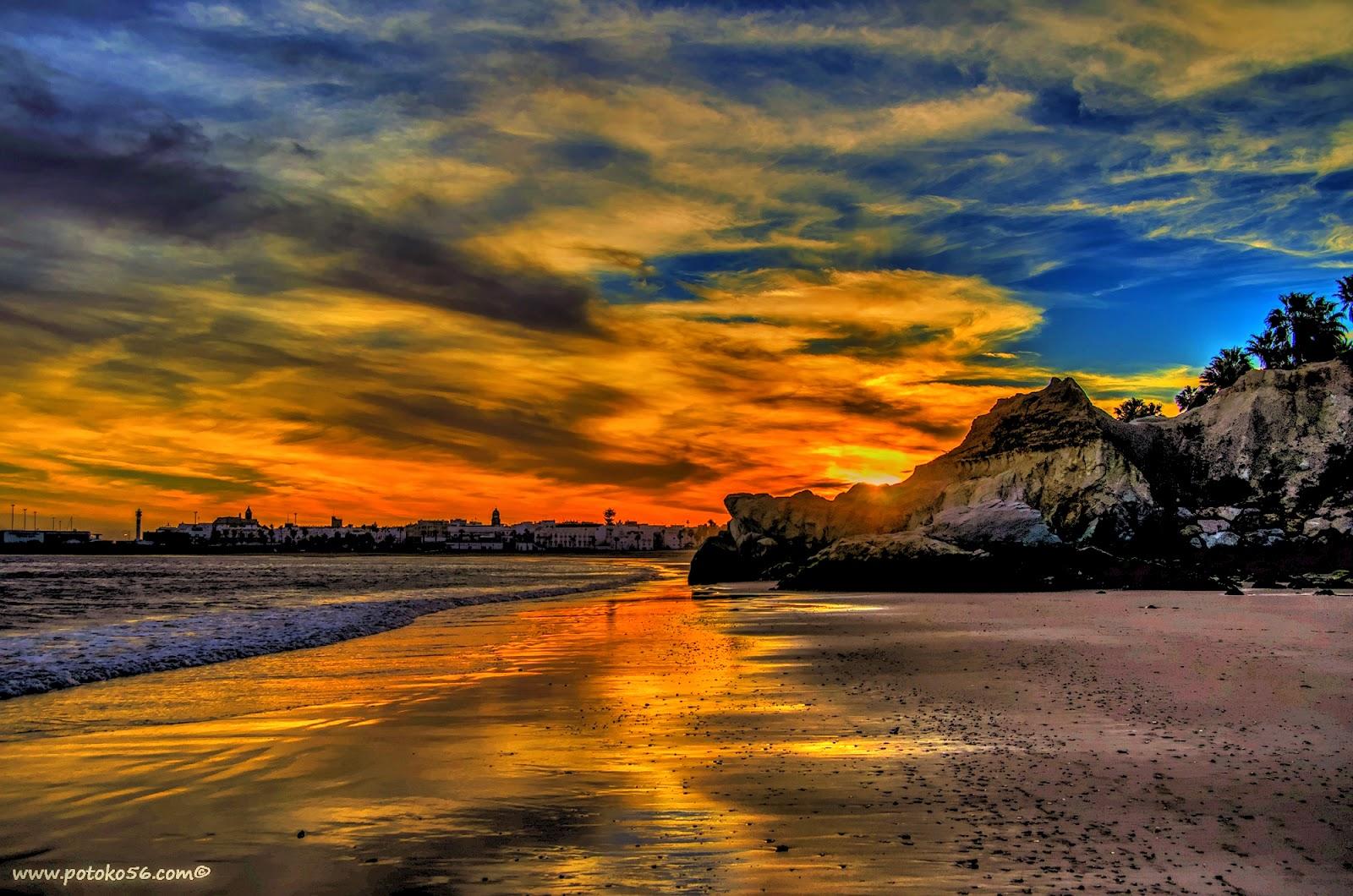 Puesta de sol desde la playa de los galeones en Rota