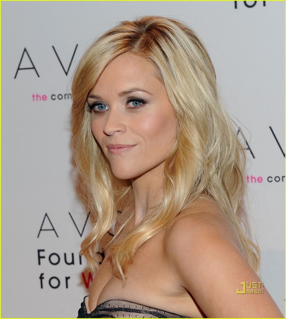 http://1.bp.blogspot.com/-gz8vn6F6rCc/T3fdDkE4XQI/AAAAAAAADBk/ZwHN7de7hBU/s1600/Reese+Witherspoon.jpg