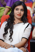 Samantha sizzling in white saree-thumbnail-10