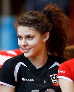 Lucia Nikmonova la chica de azul de eslovaquia es la mas bonita