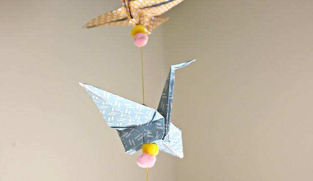 julie adore diy guirlande origami tsuru tsuru. Black Bedroom Furniture Sets. Home Design Ideas