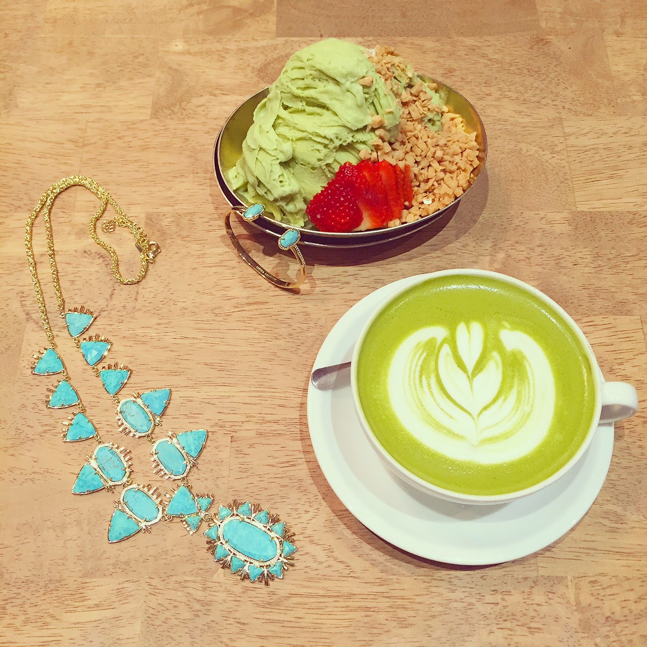 dessert, kendra scott havana statement necklace, kendra scott, via maya, livinglaviamaya, latte art, coffee, nyc