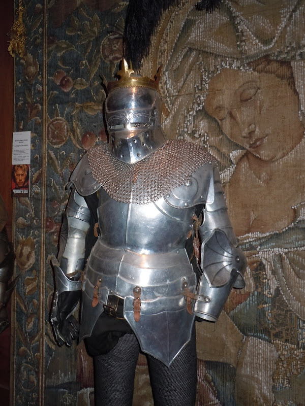 Sir Gawain armour Sword of the Valiant