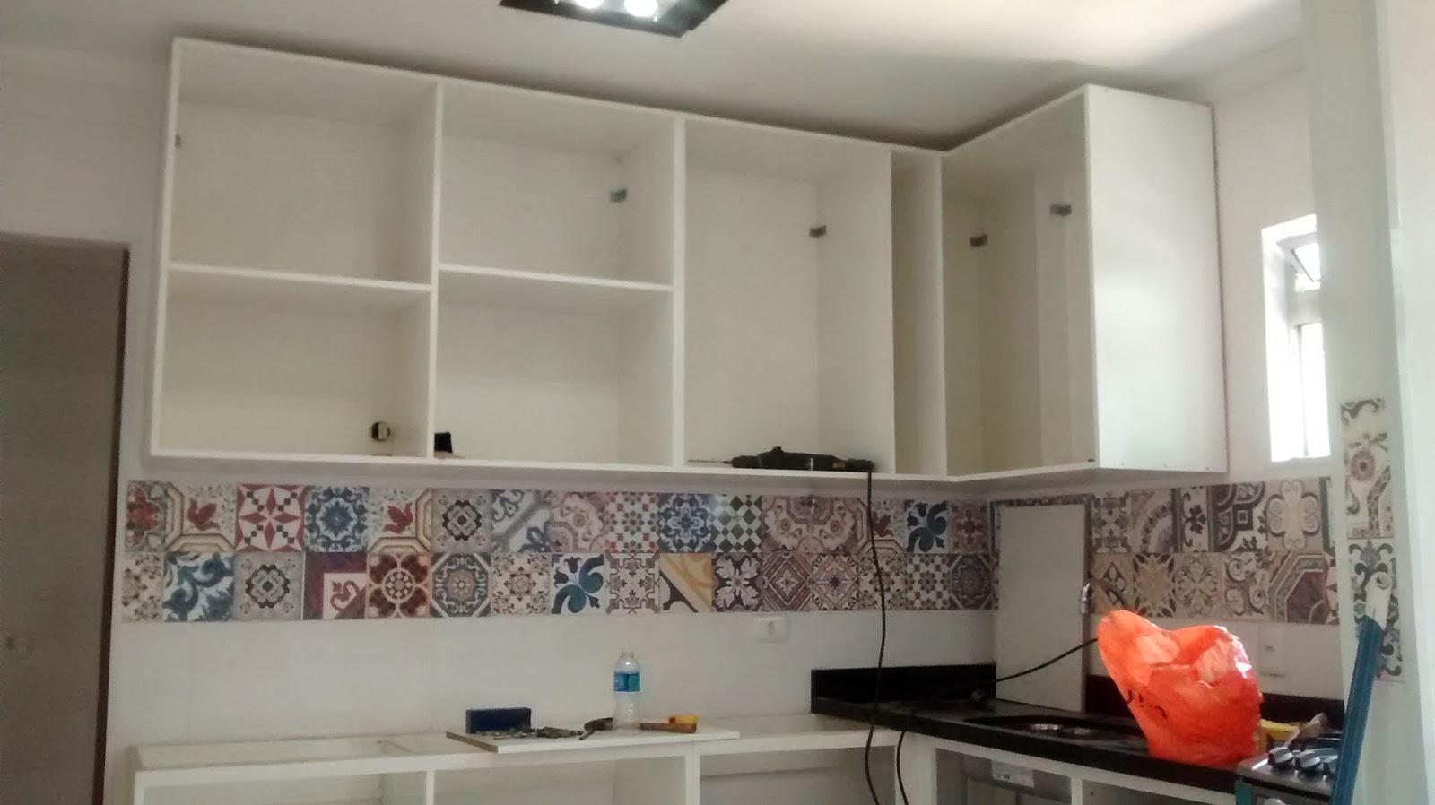 Na cozinha ele vai medir para já fazer o balcão também que deixamos  #B93412 1600 898