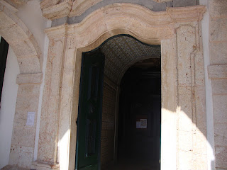 Sitio da Nazare Church big door photo - Leiria