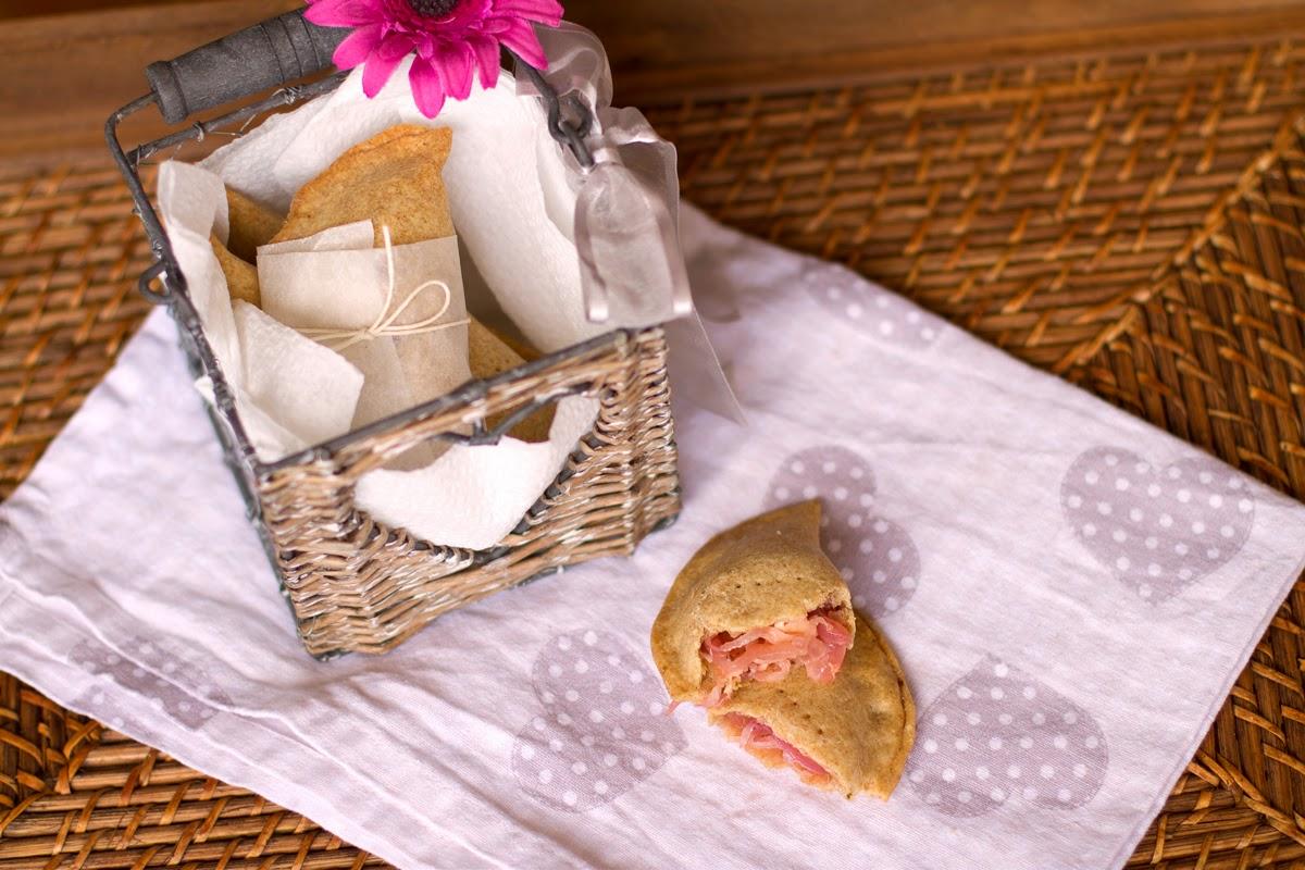 panzerottini di farro con cipolle rosse toscane caramellate, fior di mugello e timo