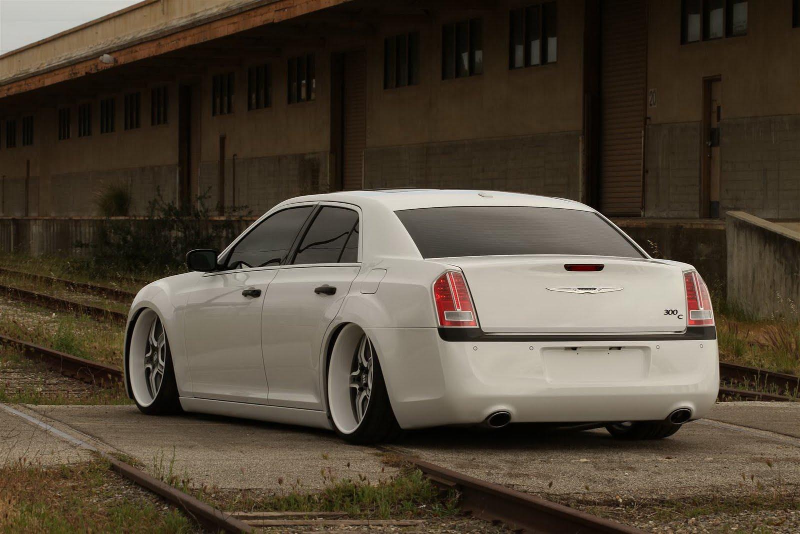 http://1.bp.blogspot.com/-h-9D3J8WLCk/TZZ-HieFTqI/AAAAAAAADCI/7PPykcDF_rA/s1600/Chrysler-300-FatChance20-16.JPG