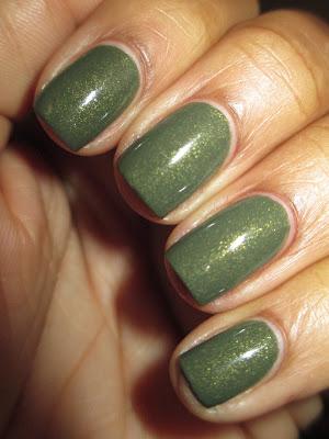 Zoya, Yara, olive, creme, gold glitter, nails, nail art, nail design, mani