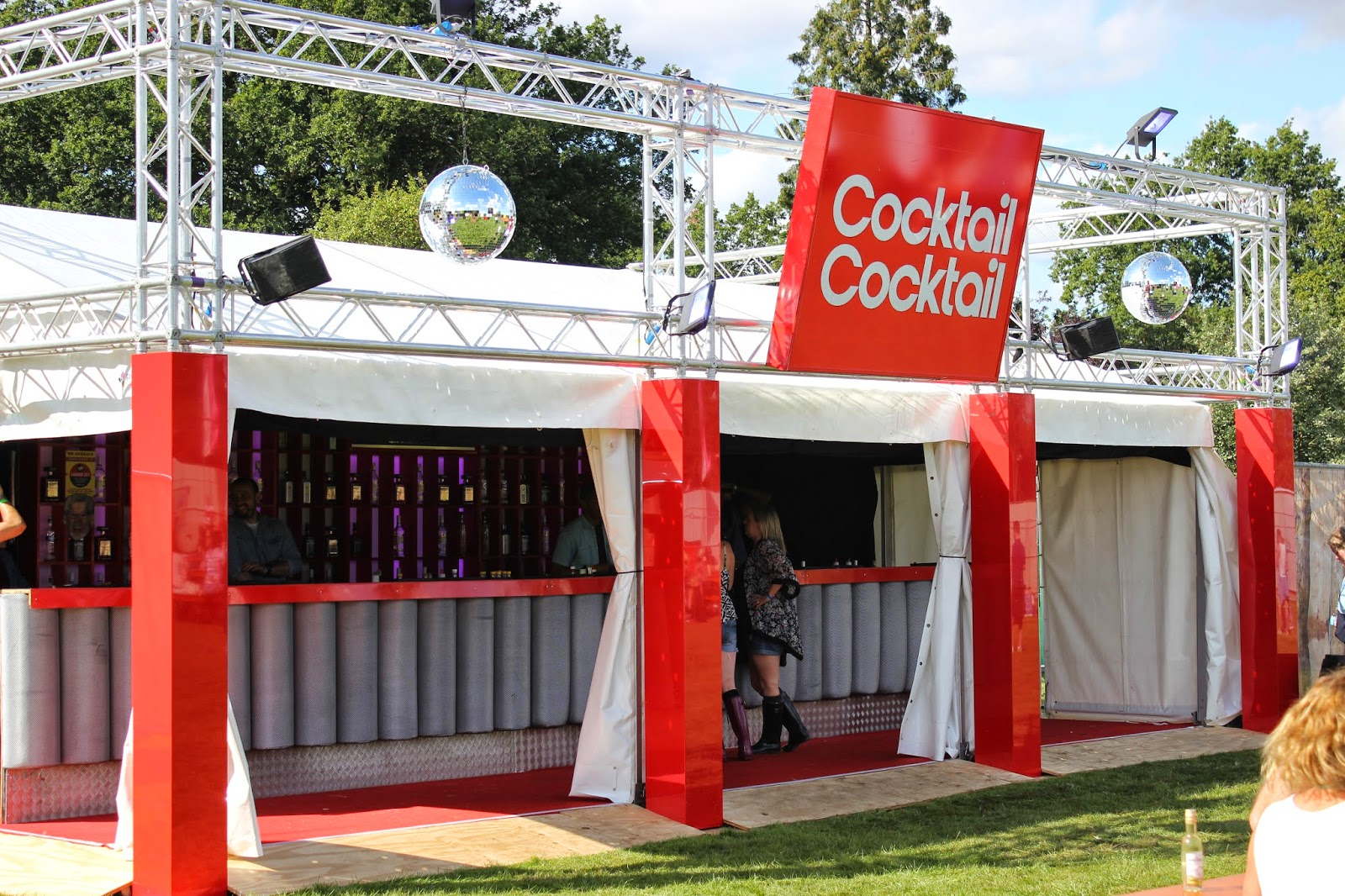 Cocktail cocktail v festival