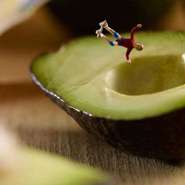 Fotógrafos culinarios comestibles mundo de habitantes en miniatura