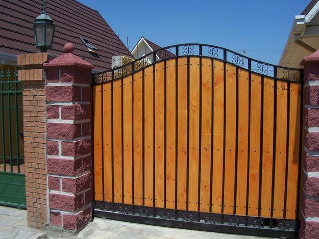Mueblesrusticoscolombia puertas balcones ventanas y for Puertas y portones de madera