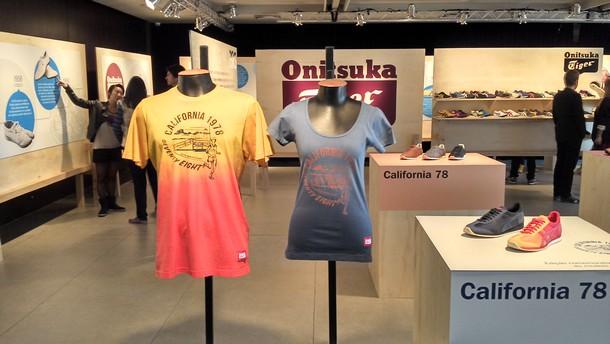 d8df982a37e13 ... a primeira loja especializada da Onitsuka Tiger abriu em Tóquio e  atualmente há 24 lojas emblemáticas da Onitsuka Tiger espalhadas pelo  mundo