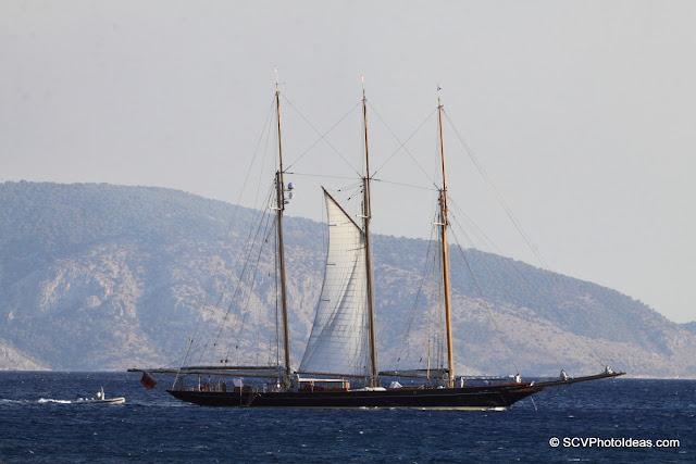 3 masted ship sailing south