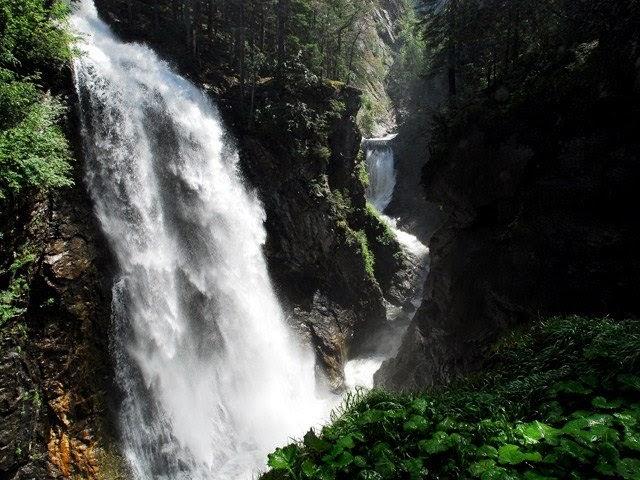 cascate fiume riva