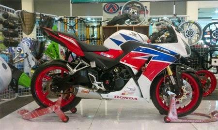 modifikasi Honda CBR150R lokal K45 ala CBR1000RR fireblade