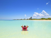 Nu har jag slarvat med bloggandet, ska föröka skärpa till mig. (florida beach )