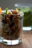 saláta hüvelyesekből petrezselyem-szósszal