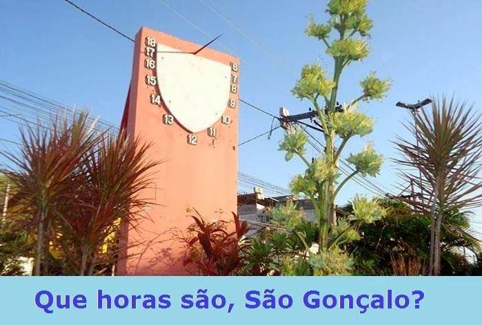 Único Relógio de sl vertical com duas faces no mundo fica em São Gonçalo