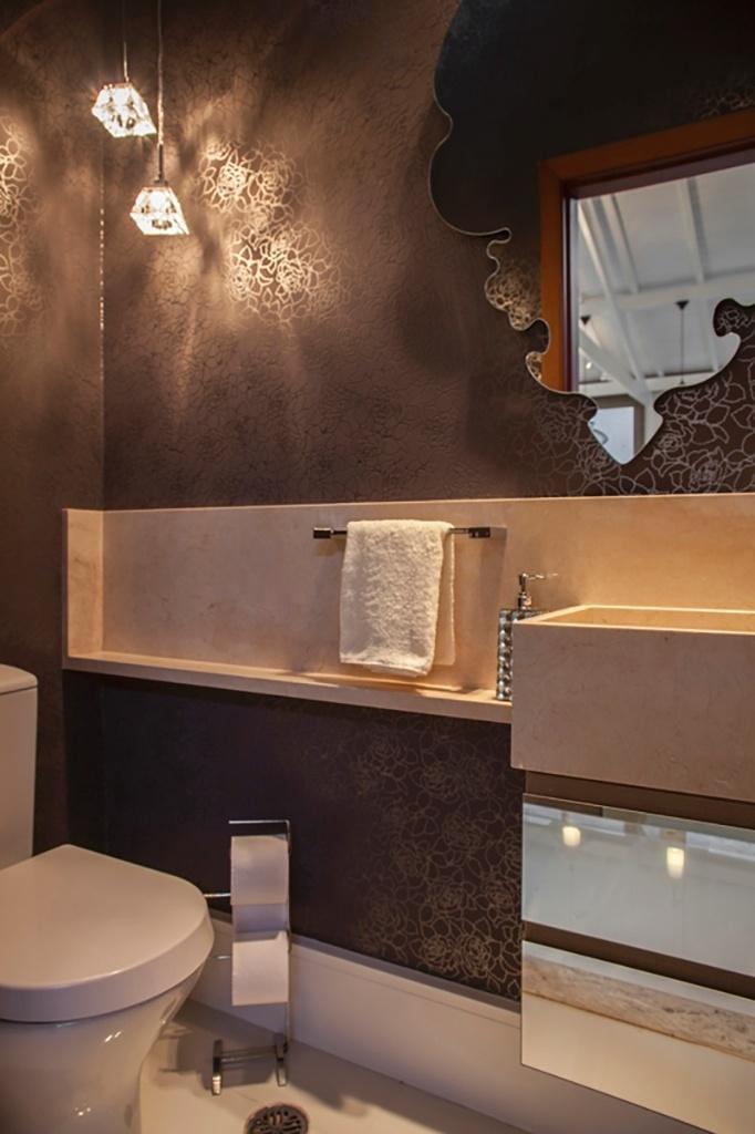 Construindo Minha Casa Clean BanheirosLavabos Modernos com Pendentes de Cri -> Lustres Banheiro Pequeno