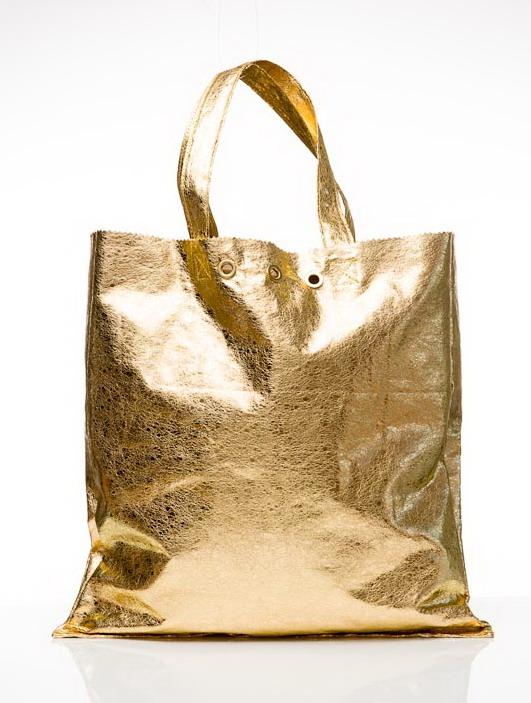 Bolsa Dourada Combina Com Que Roupa : Croqui da moda trend alert dourado