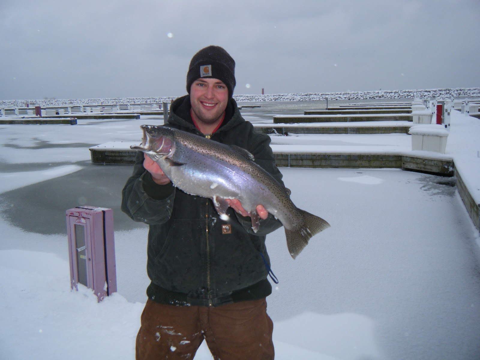 wisconsin fishing reports early ice great lakes trout