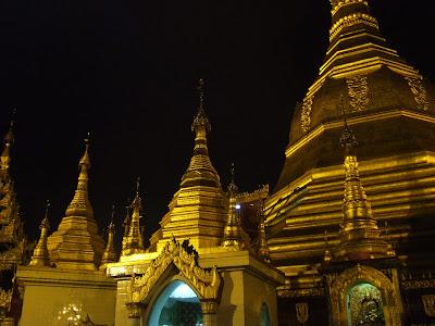 (Myanmar) – Yangon (Rangoon) - Sule Pagoda