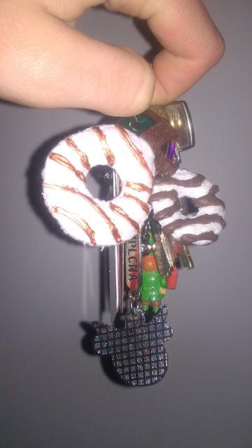 DIY llaveros fieltro donuts
