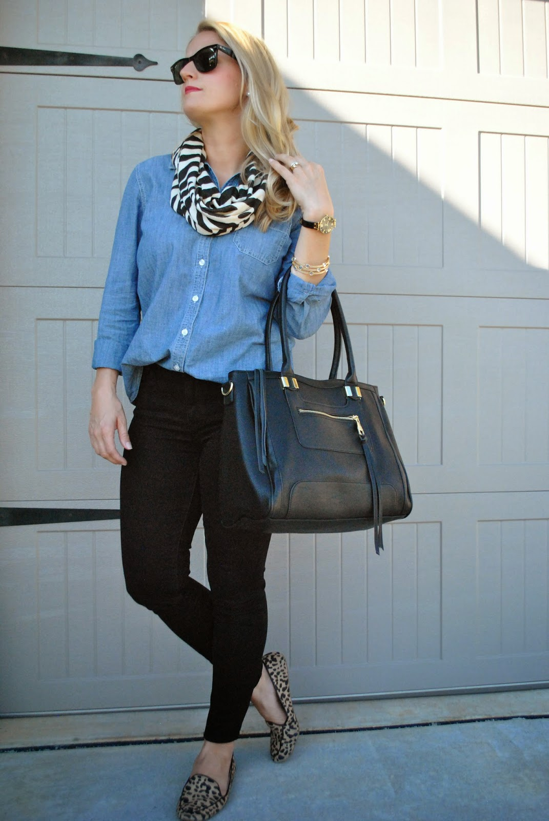 Chambray Black Skinnies Steve Madden Oversize Tote Leopard Flats Casual Chic